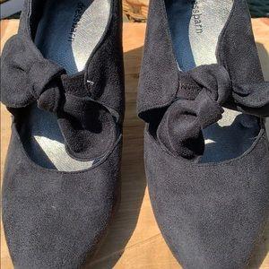 Black dress barn shoes size 9